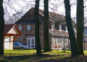 Die renovierte Alte Schule vom Norden