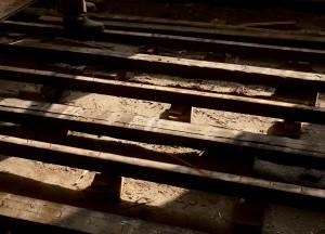 Der Fußboden im Klassenzimmer